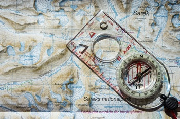 How to use a compass and map