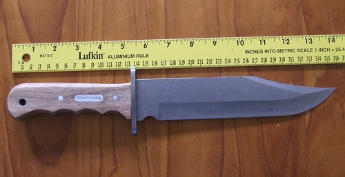 Winchester Bowie knife length. Measuring with ruler.