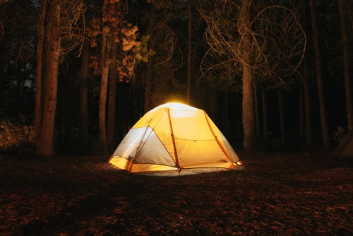 Instant tent 6 person size.